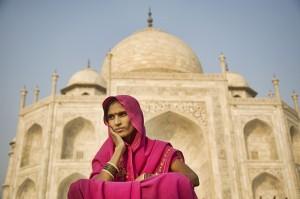 india woman and taj mahal