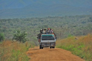 Road_between_Fort_Portal_and_Rebisengo_-_Flickr_-_Dave_Proffer_(7)