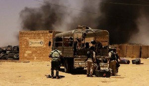 ISIL militants taking position on Iraq-Syria border