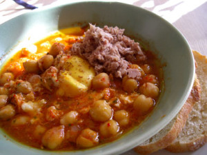Lablabi with tuna