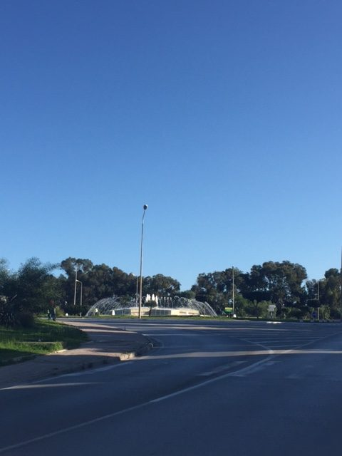 2-fountain-at-roundabout-to-sidi-bou